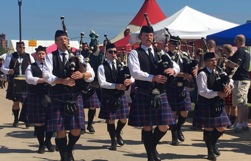 wichita-caledonian-pipes-and-drums-playing-at-festival